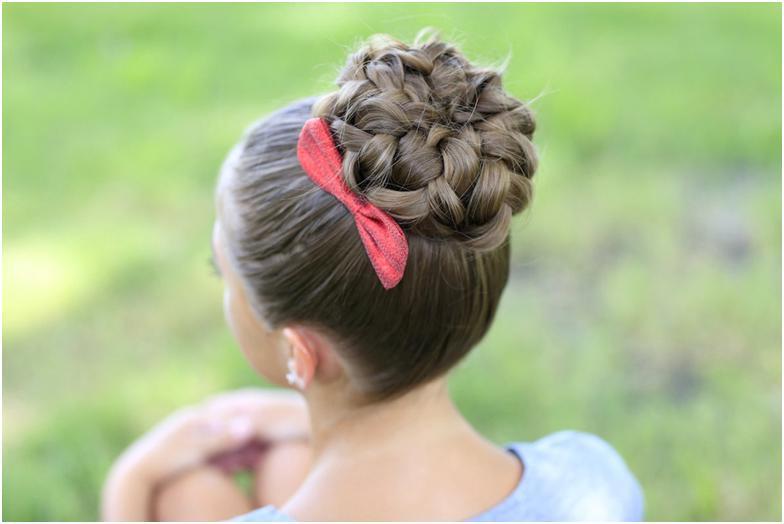 Как сделать шишку из волос у девочки
