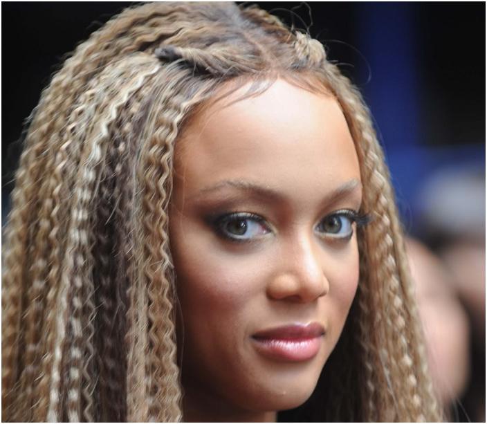 Если у девочки «каре», то можно придать объем, если воспользоваться специальными утюжками для волос