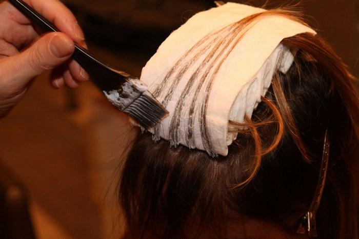Окрашиваем волосы в домашних условиях