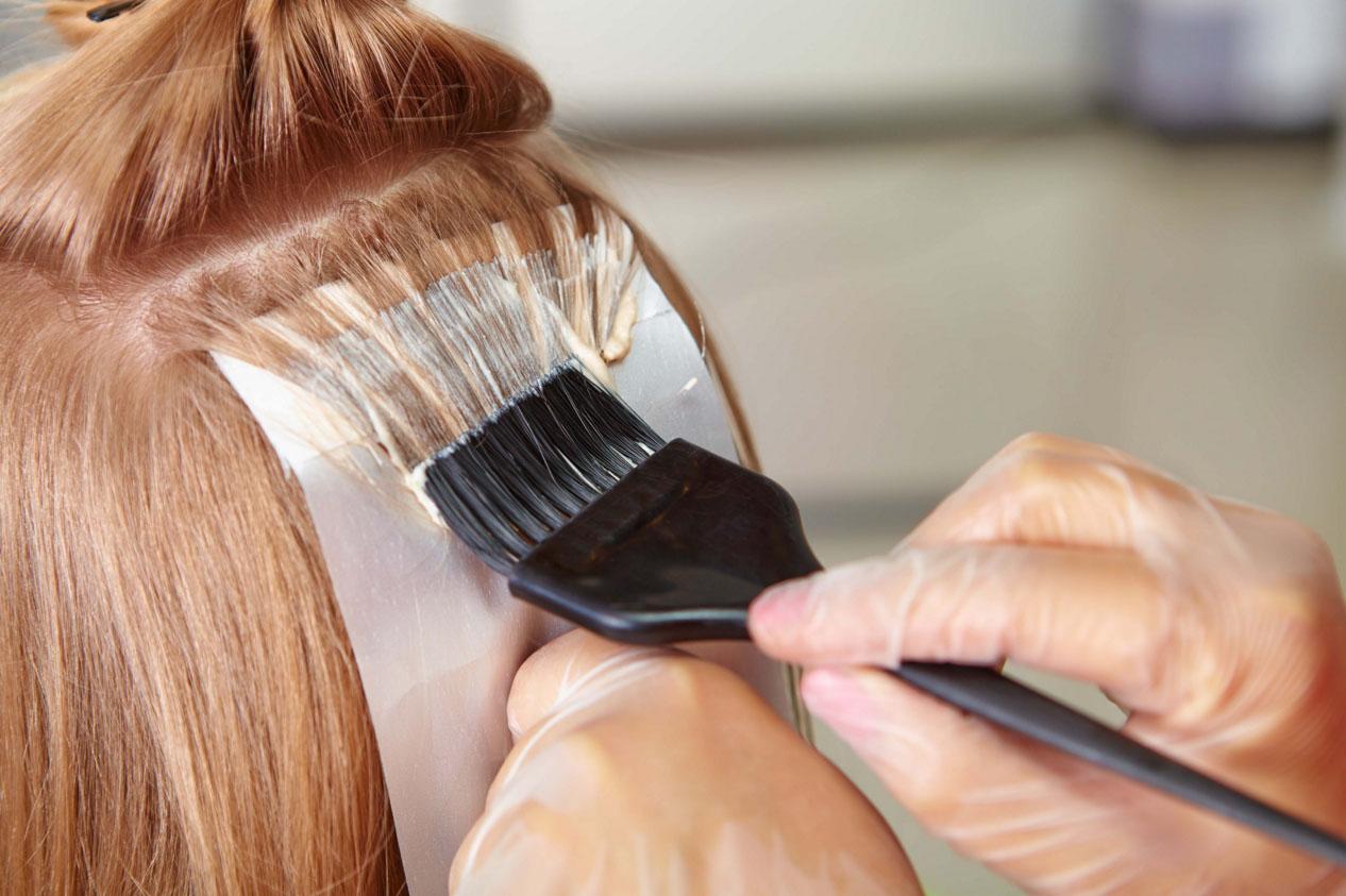 Покрасить волосы в домашних условиях в два цвета