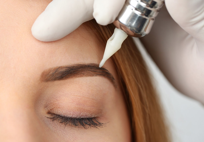 волосковое шотирование бровей