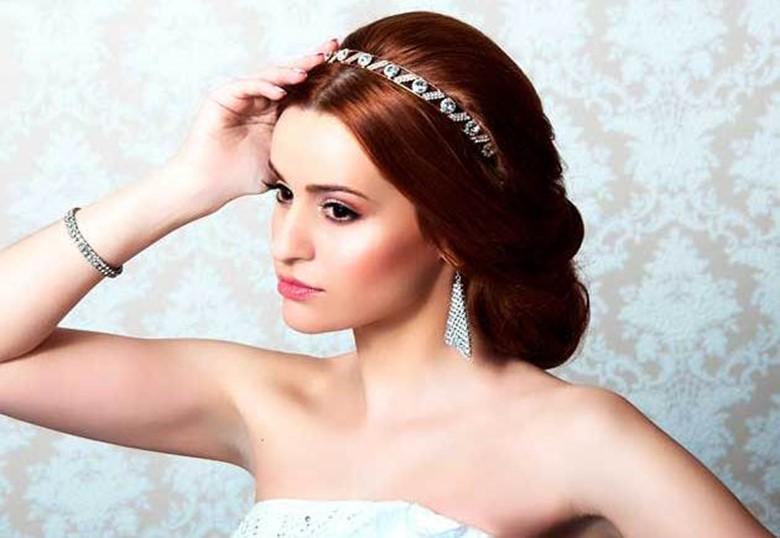 Девушка средними волосами фото