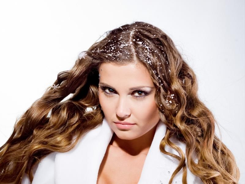 Волосы покрытые снегом