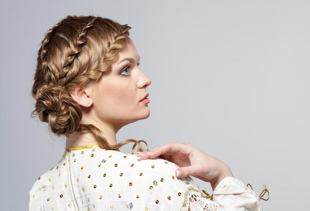 Прическа с несколькими косами