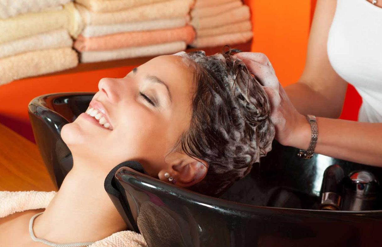 Процедуры лечения и восстановления волос