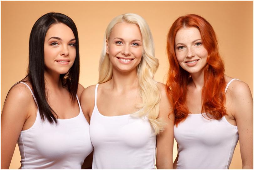 Три девушки с темными, светлыми и рыжими волосами