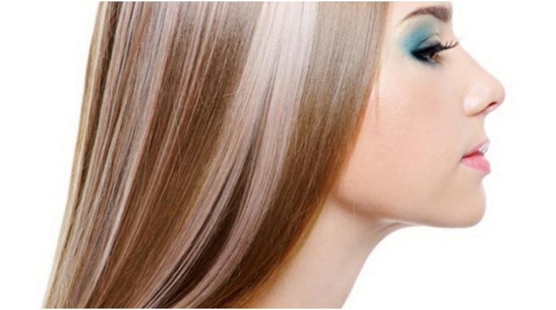 Девушка с мелированием волос