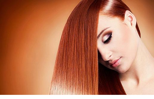 Девушка с рыжими, длинными, прямыми волосами