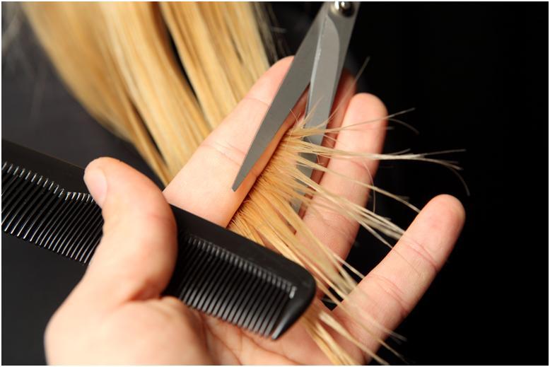 Стрижка кончиков светлых волос
