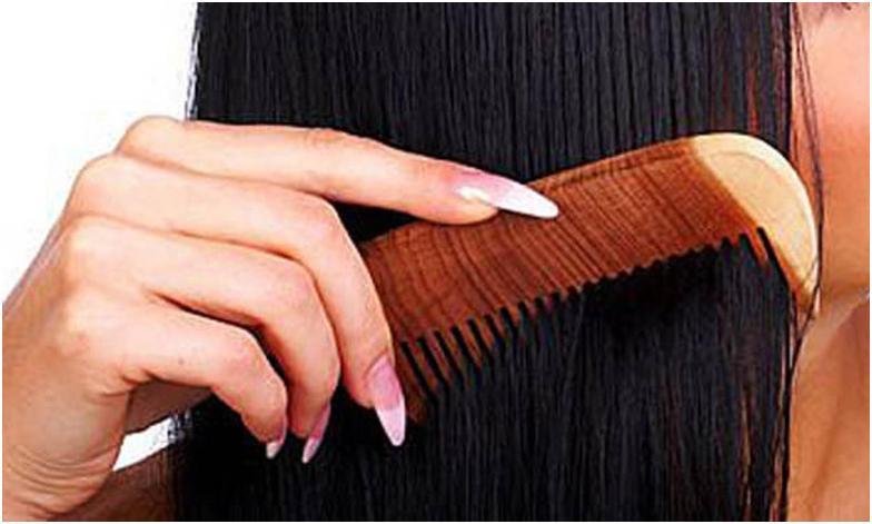 Какой расческой расчесывать спутанные волосы