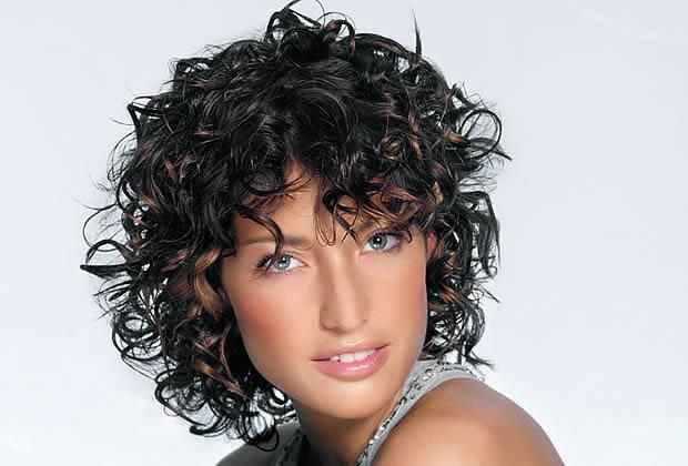 Прическа эффект мокрых волос в домашних условиях видео