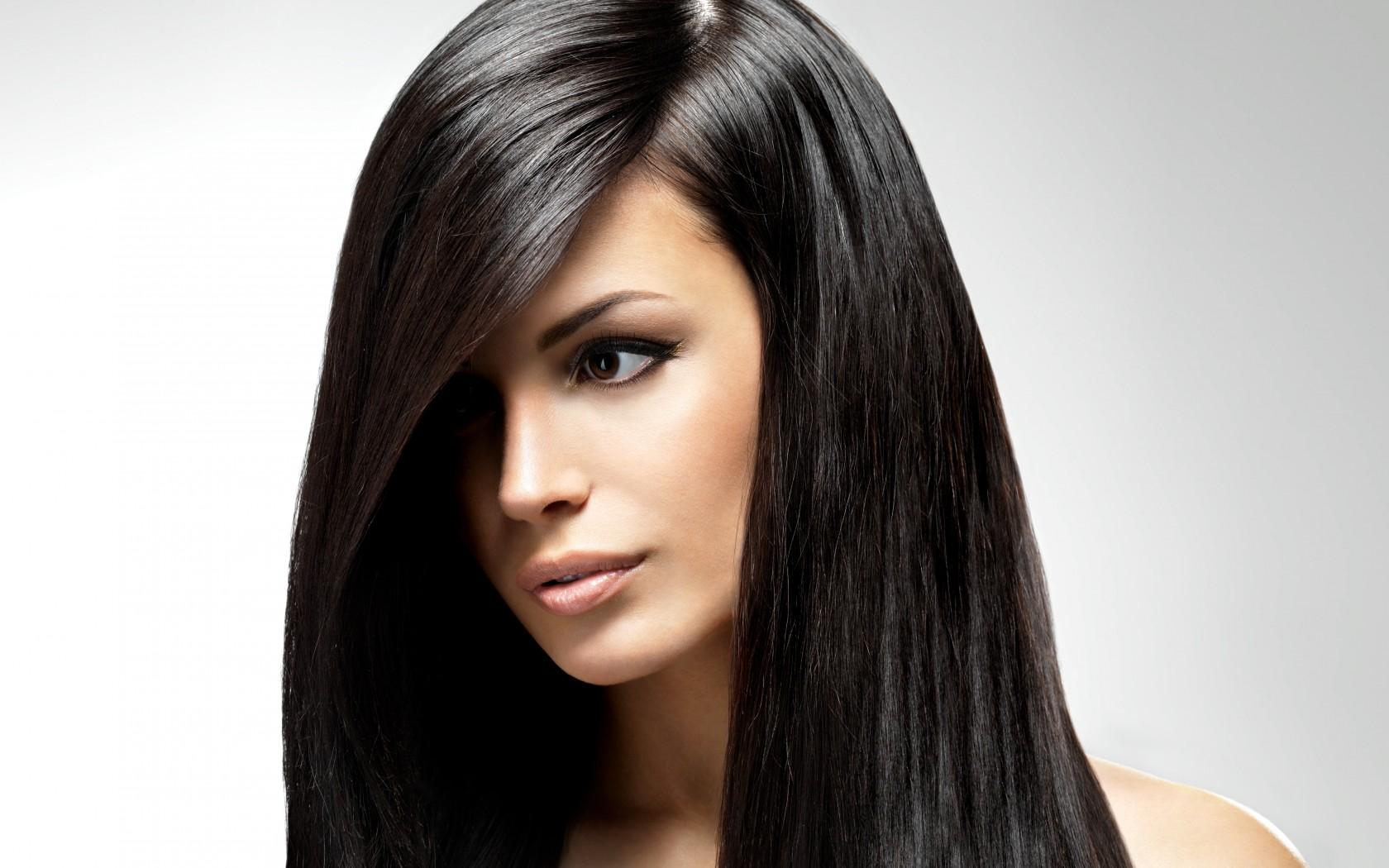 Красивые девушки с чёрными волосами 15 фотография