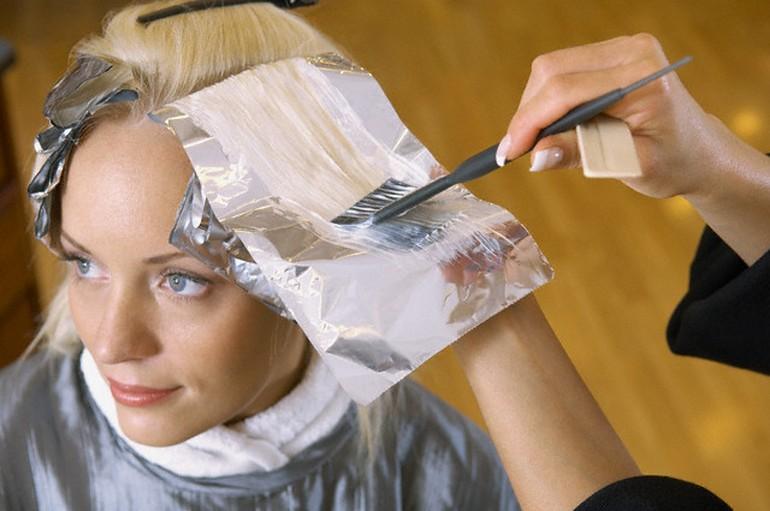 Что лучше осветляет волосы в домашних условиях