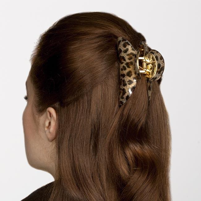 Прически с заколками крабами на средние волосы