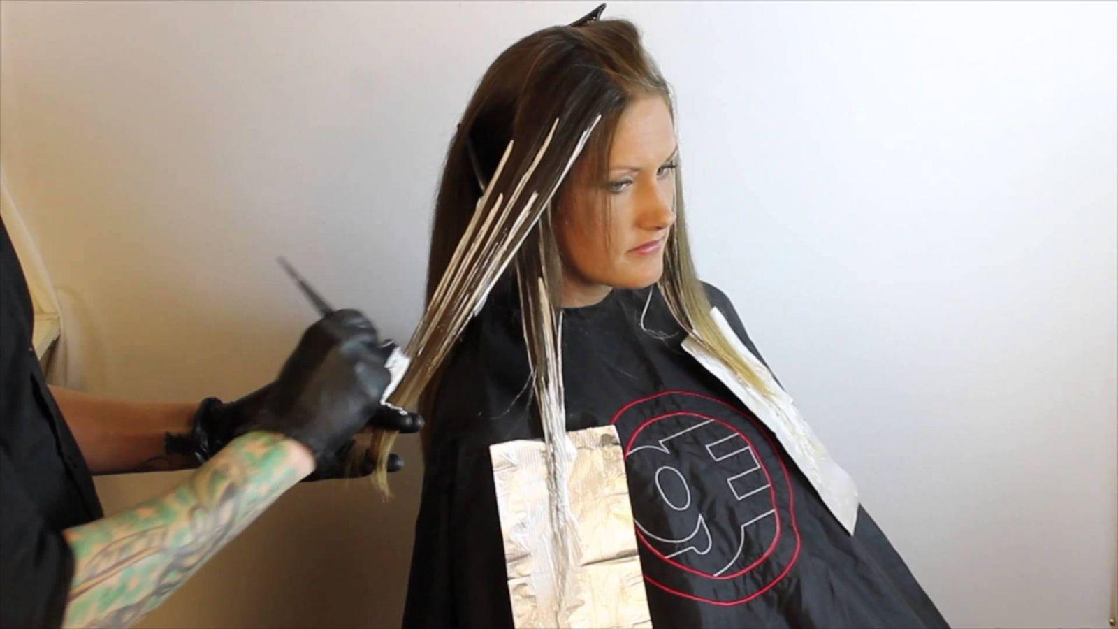 Как сделать балаяж в домашних условиях видео на светлые волосы