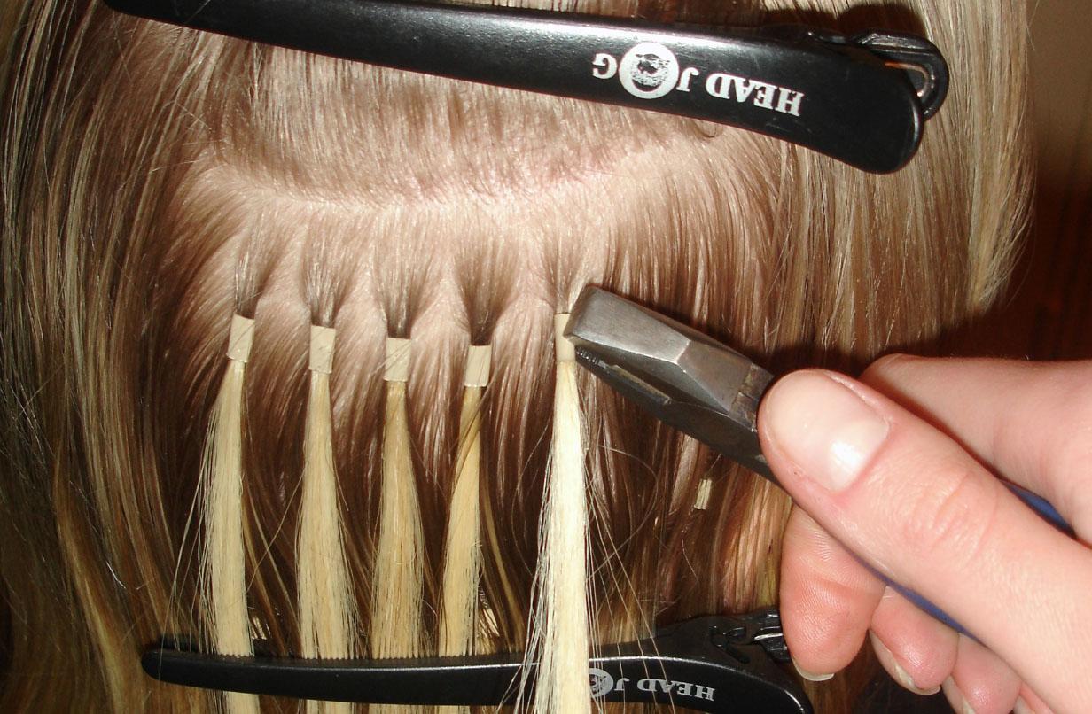 Подготовить волосы для прически