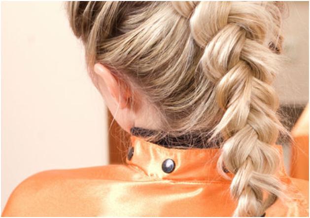 Заплетенная длинная коса