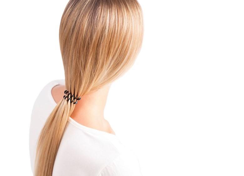 Волосы собранные в хвостик