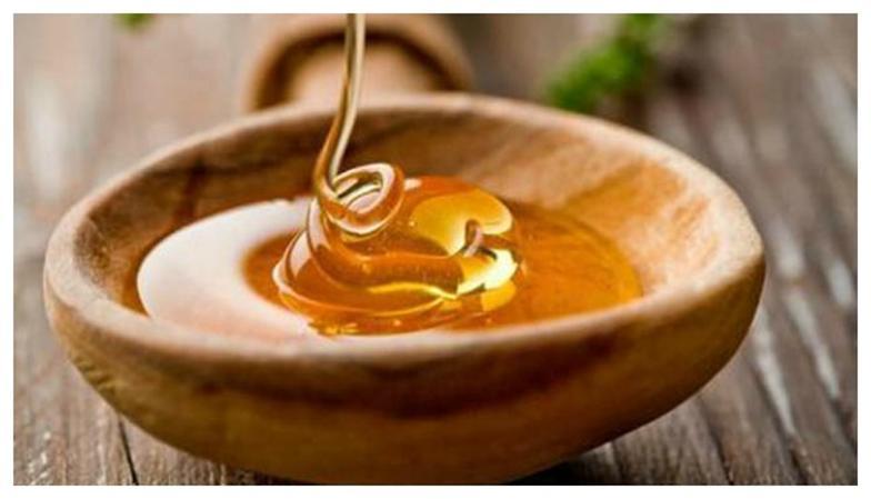 Мед с репейным маслом подержать на водяной бане, добавить алоэ