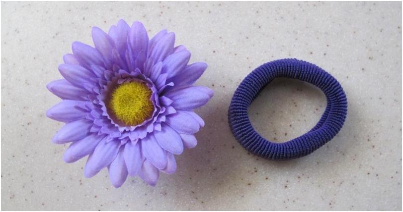 Резинка и цветок