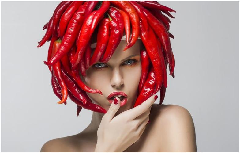 Красный перец на голове