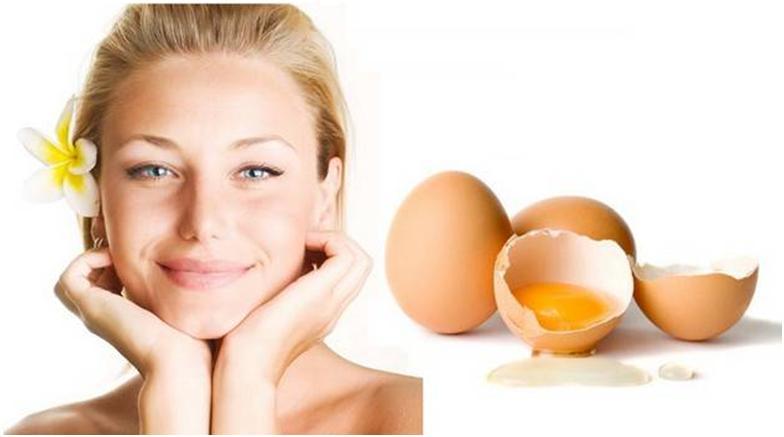 Девушка и куриное яйцо
